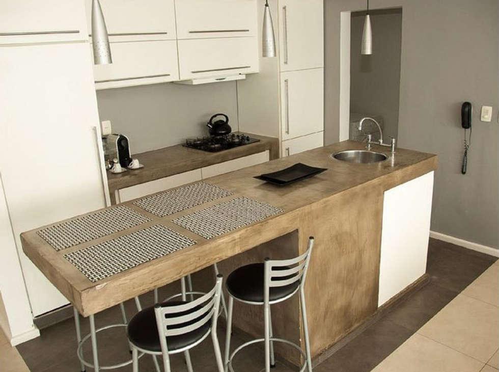 apartamento em Ipanema: Cozinhas modernas por Margareth Salles