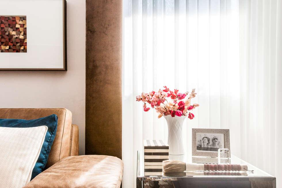 Detalhes que fazem a diferença: Salas de estar modernas por Barbara Dundes   ARQ + DESIGN