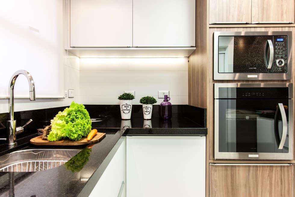 Bancada Cozinha: Cozinhas modernas por Barbara Dundes | ARQ + DESIGN