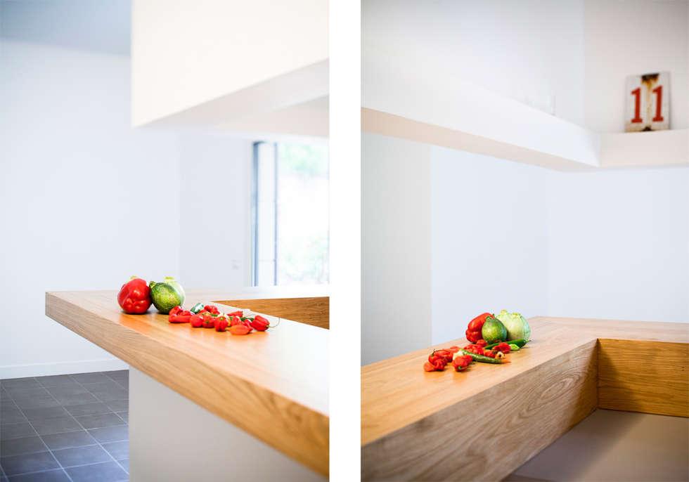 Le bar: Cuisine de style de style Moderne par MELANIE LALLEMAND ARCHITECTURES