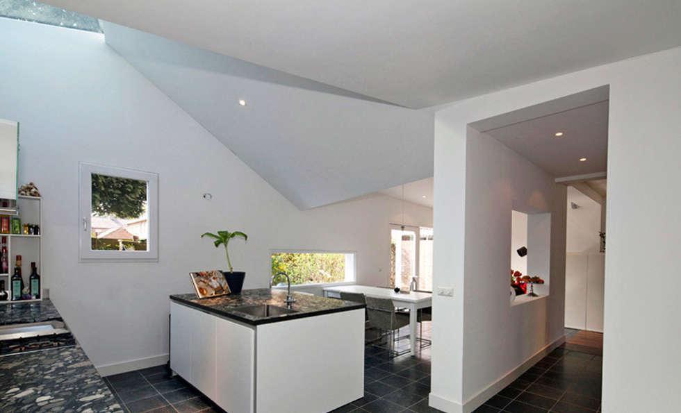 Keuken Met Dakraam : Uitbreiding woonhuis maarn moderne keuken door richel lubbers