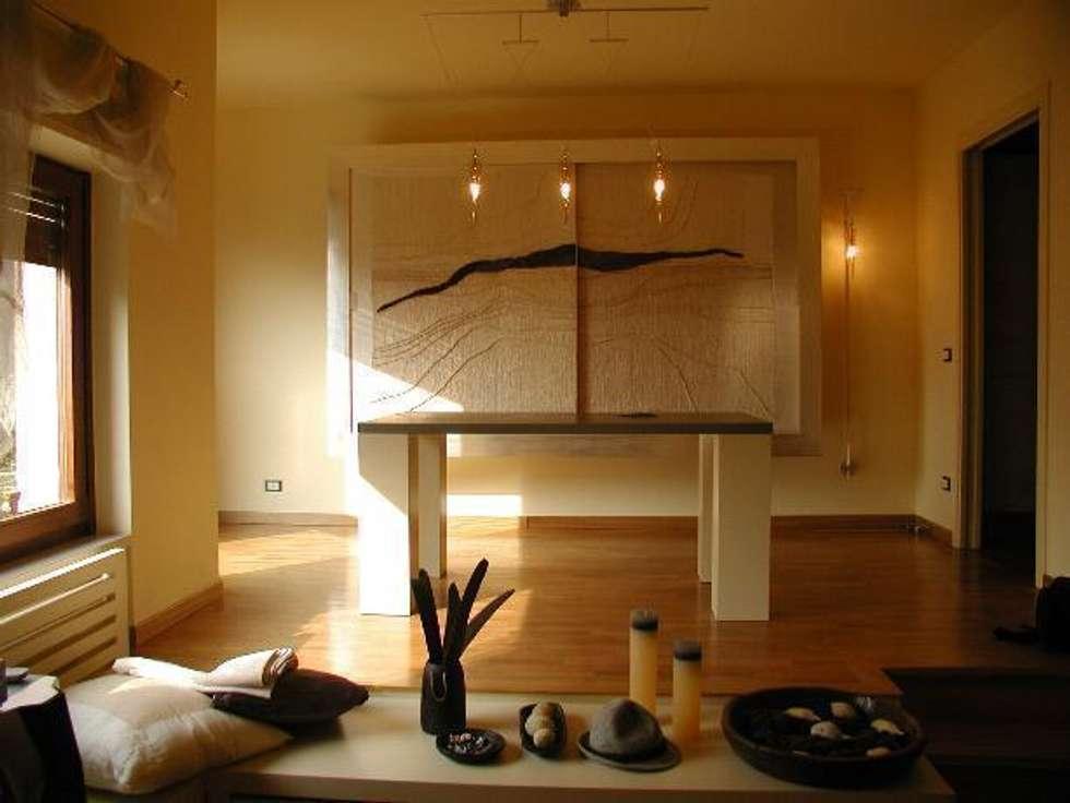oggetti: Sala da pranzo in stile in stile Eclettico di Serenella Pari design