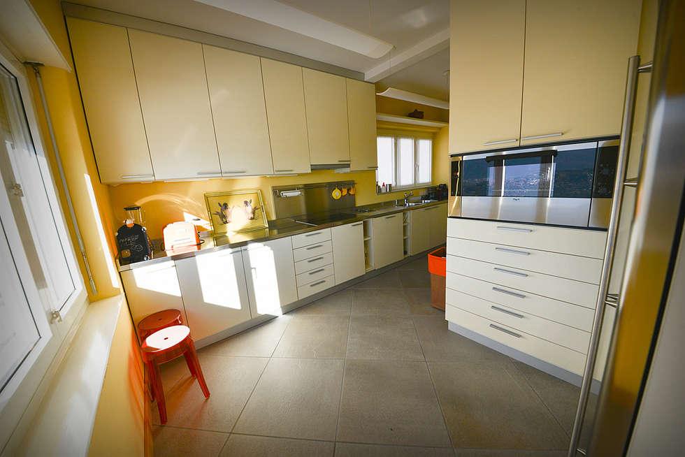 Cucina: Cucina in stile in stile Moderno di Studio Fori