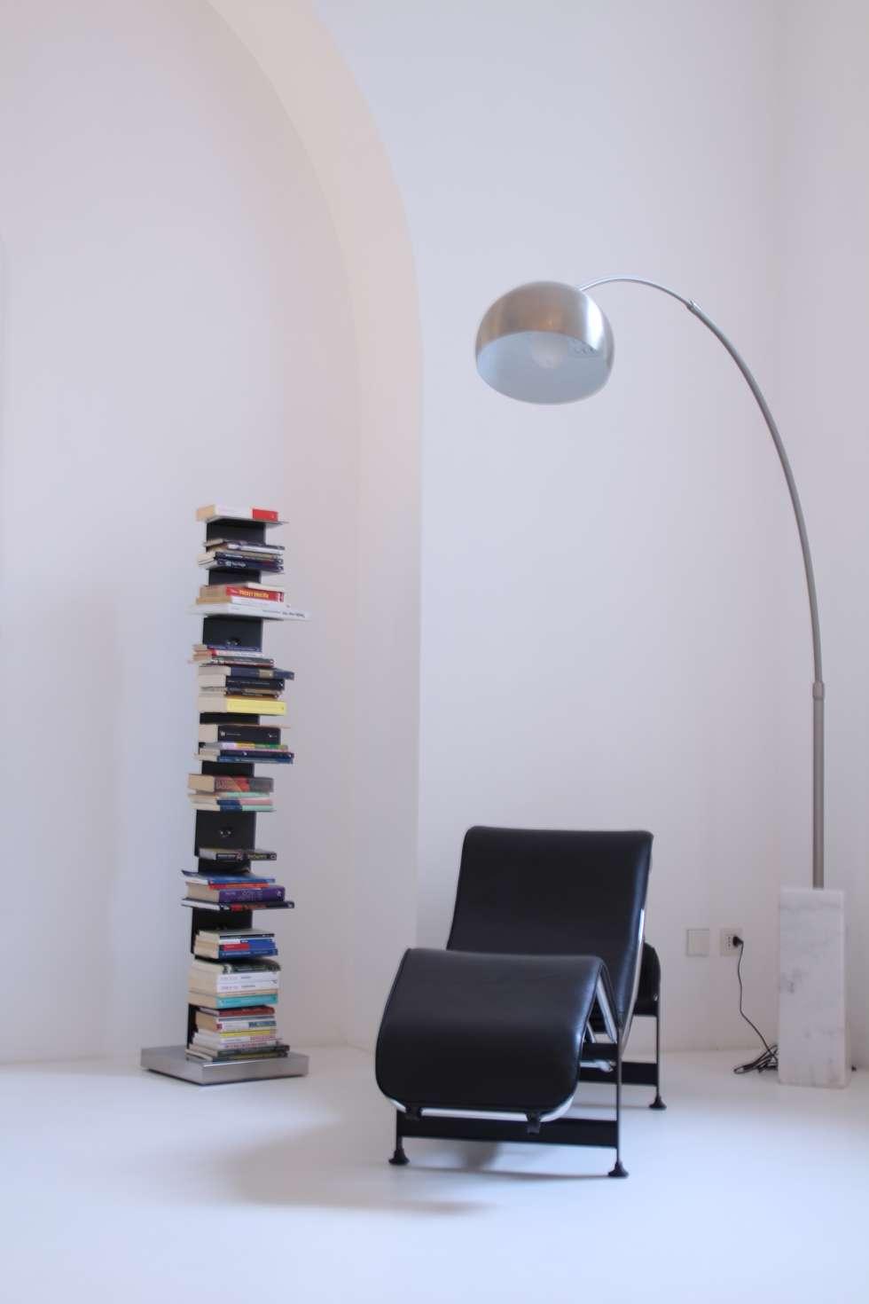 relax: Ingresso & Corridoio in stile  di Serenella Pari design