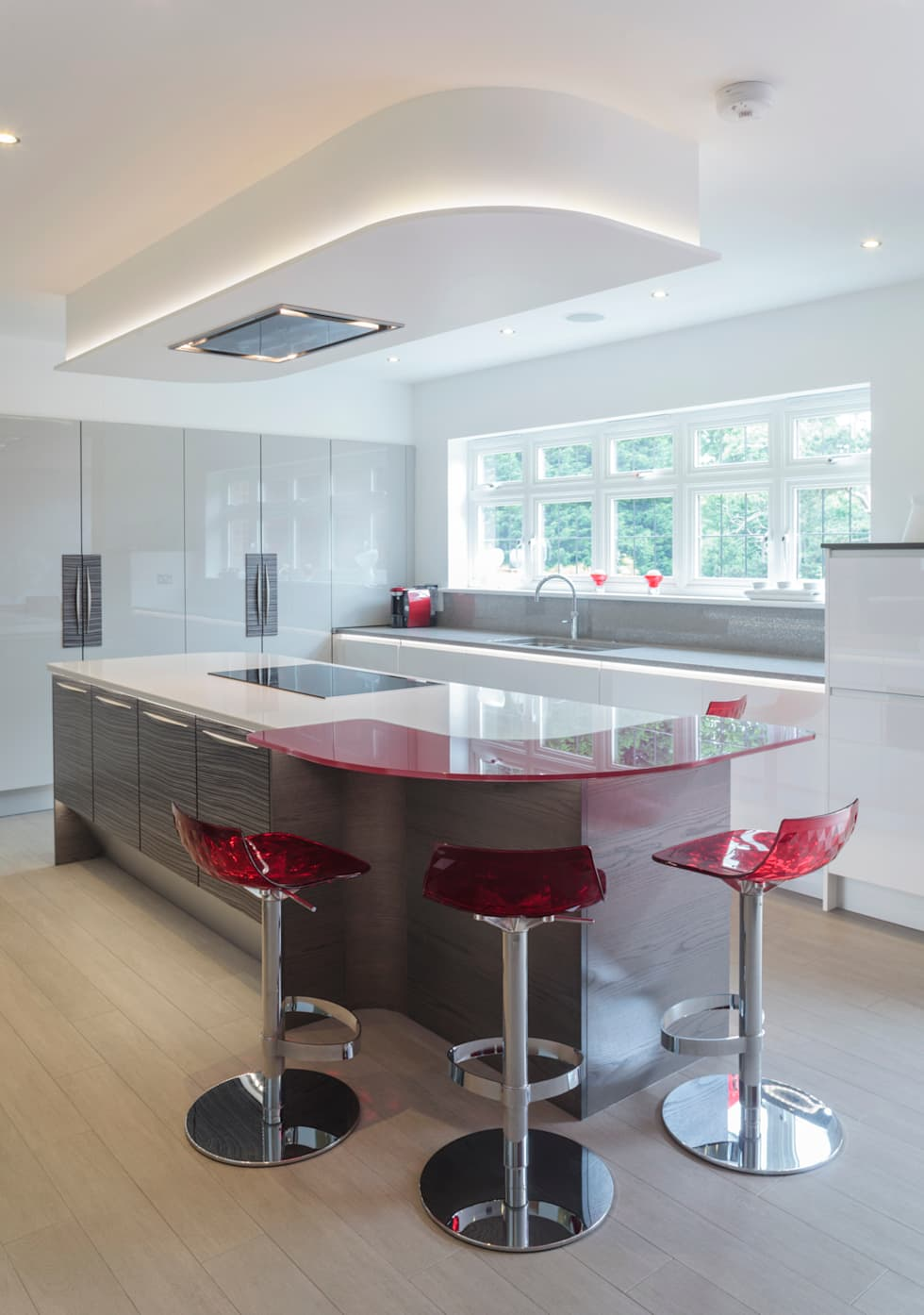 Interior design ideas redecorating remodeling photos for Infinity kitchen designs