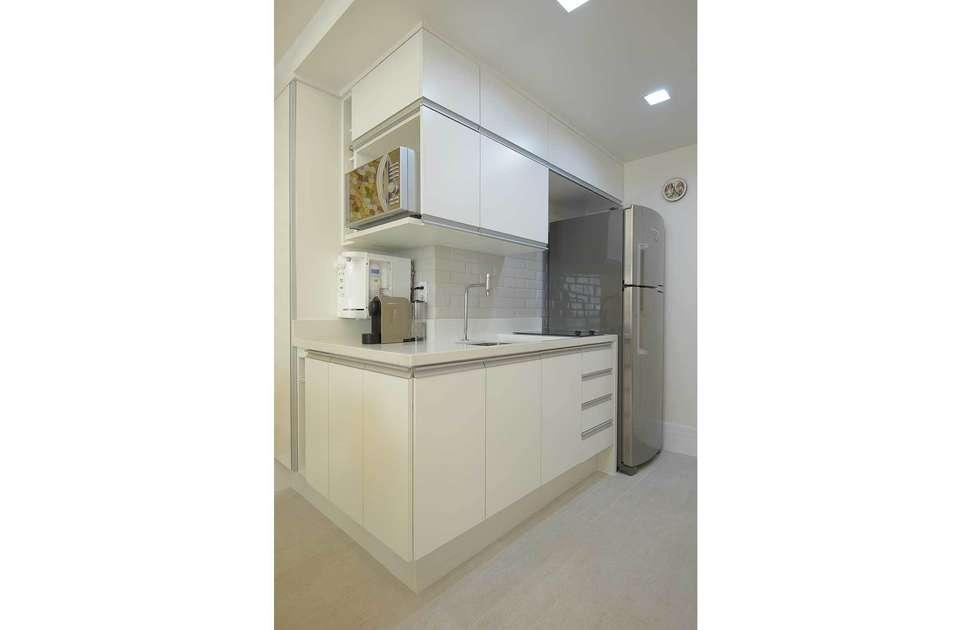 Cozinha Integarada: Cozinhas modernas por fpr Studio