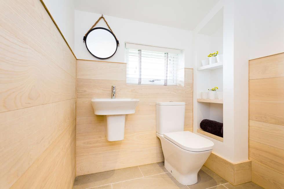 Sundown, Widemouth Bay, Cornwall: modern Bathroom by The Bazeley Partnership
