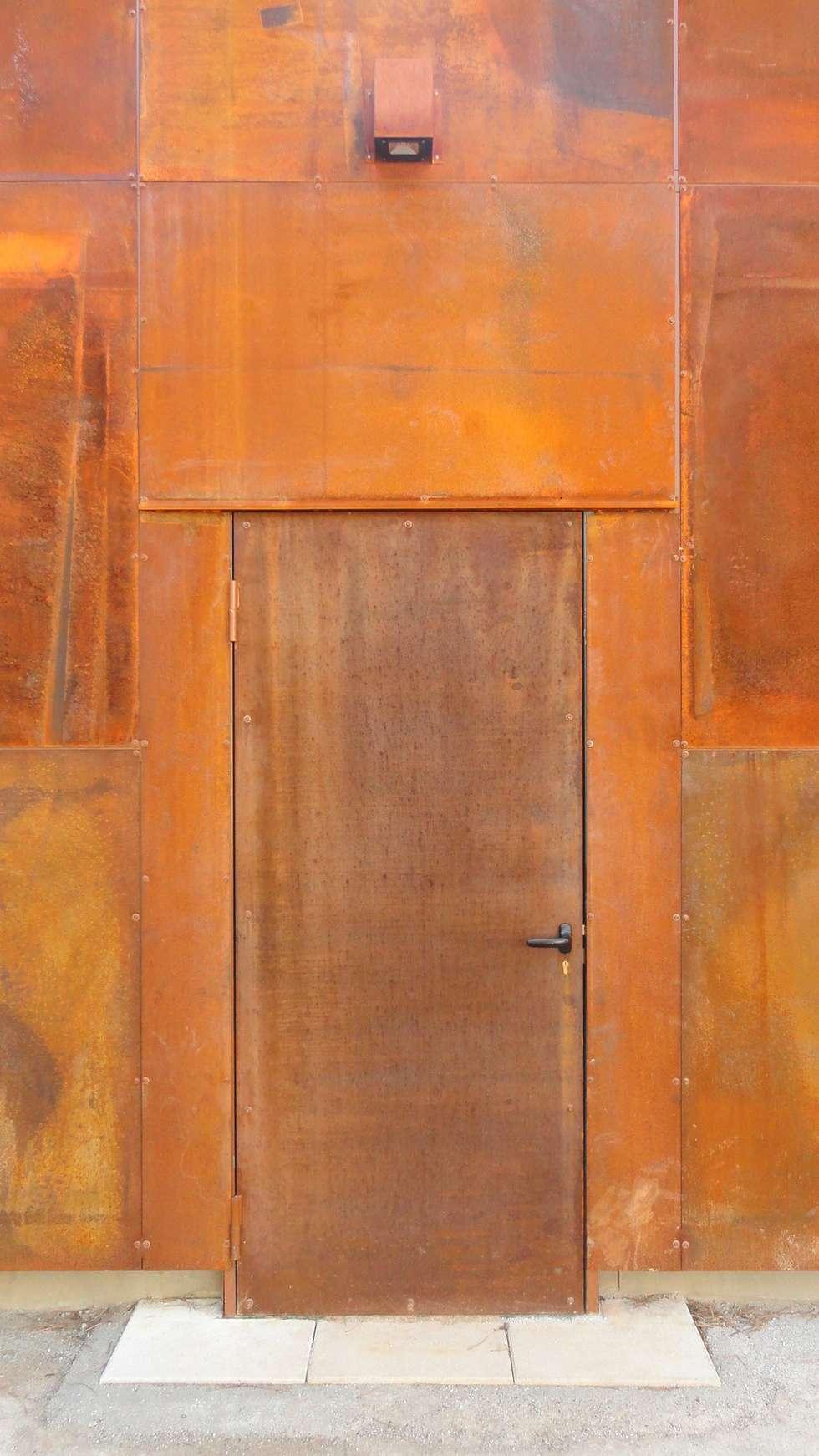 Détail sur porte d'entrée: Lieux d'événements de style  par ArchiGap