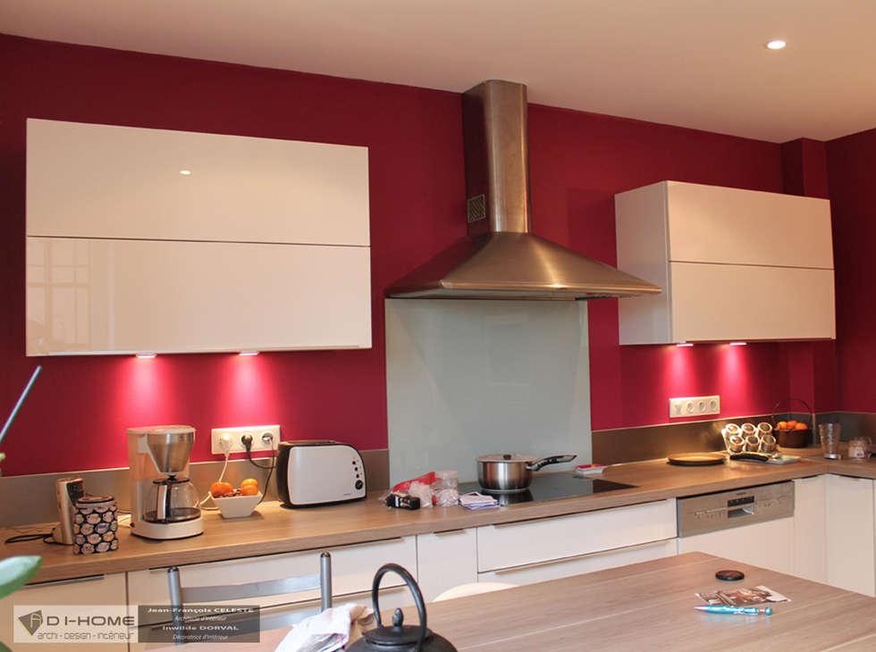 nouvelle cuisine avec coin repas: Cuisine de style de style Moderne par Agence ADI-HOME