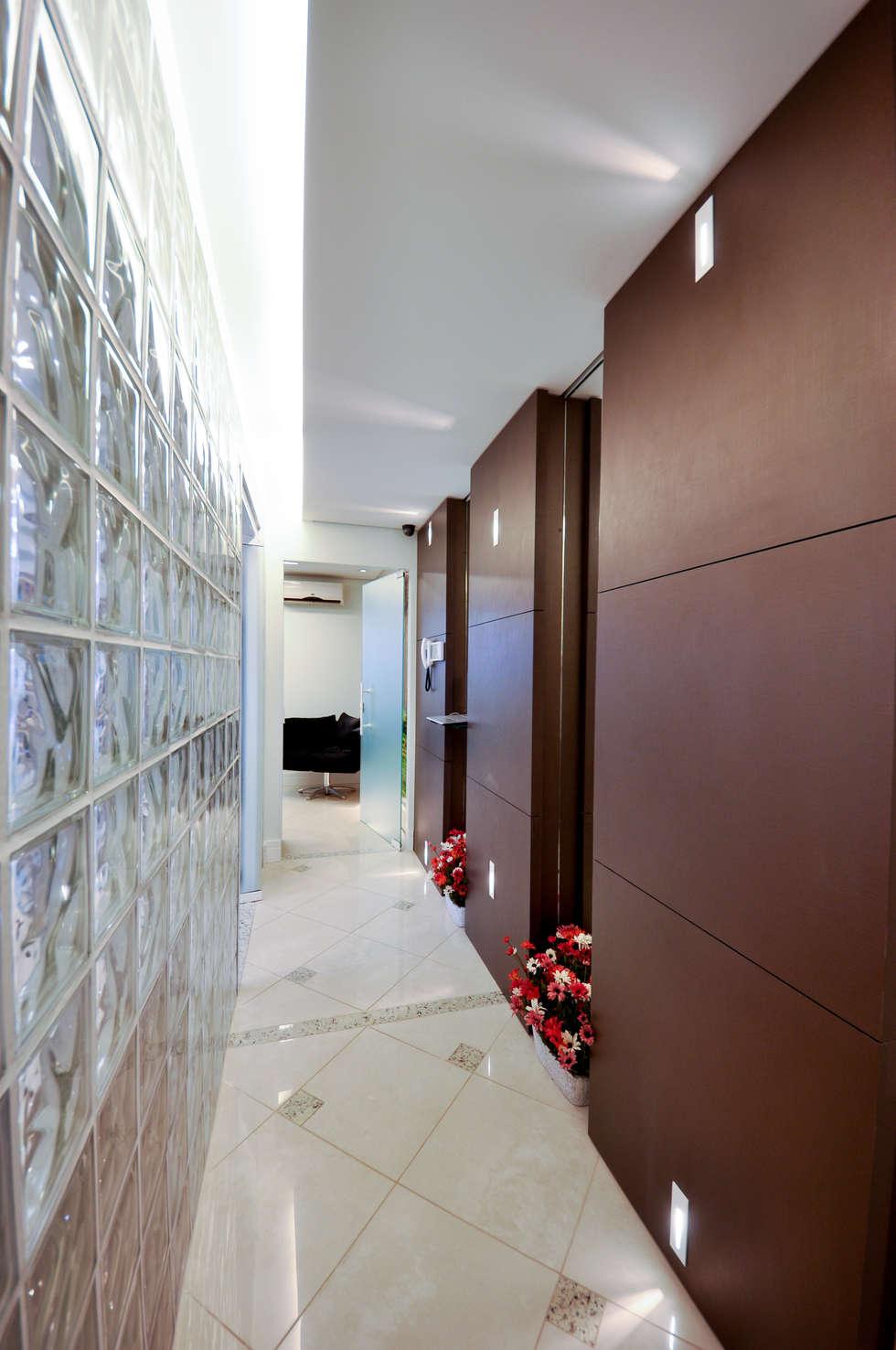 JARDIM ODONTOLOGIA: Clínicas  por Veridiana Negri Arquitetura
