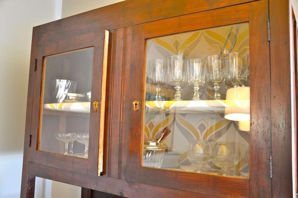Restyling sala da pranzo: Sala da pranzo in stile in stile Moderno di Restyling Mobili di Raddi Federica