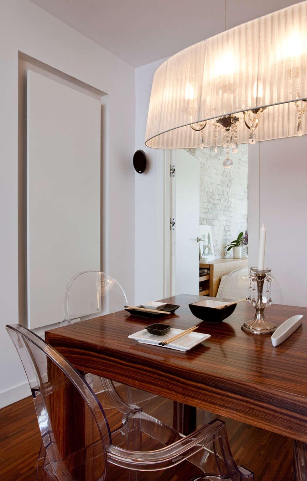 Nowoczesna jadalnia z elementami stylizowanymi: styl , w kategorii Jadalnia zaprojektowany przez living box