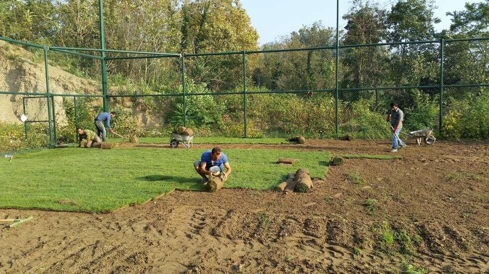 Çisem Peyzaj Tasarım – Sakarya -Karaçam Futbol Sahası Rulo Çim Uygulaması:  tarz Stadyumlar