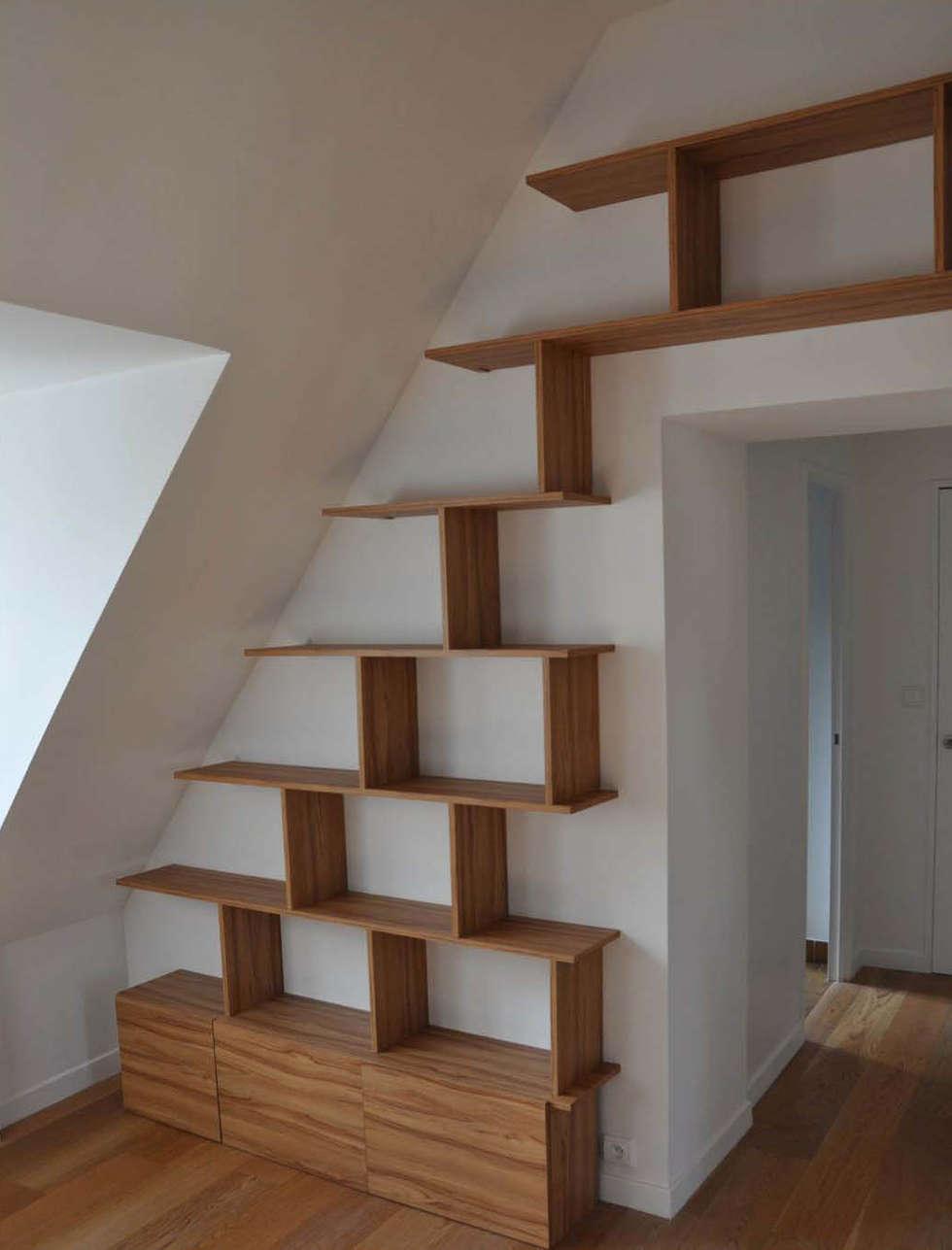 un cloisonnement discret: Bureau de style de style Moderne par officine TNT Architecture