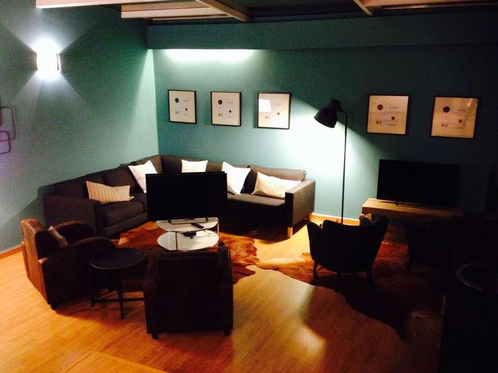3ª Sala de Jogo: Salas de estar modernas por Stoc Casa Interiores