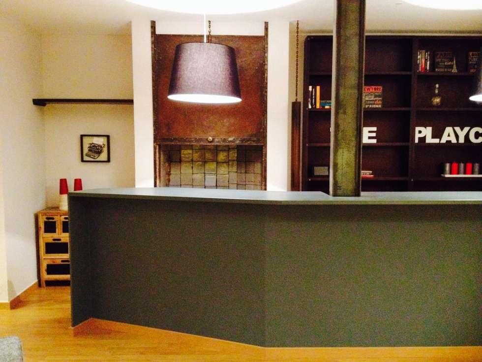 1ª Sala de Jogo: Salas de estar modernas por Stoc Casa Interiores