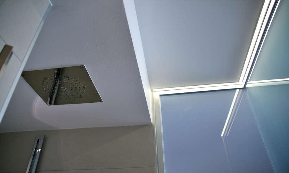 box doccia: Bagno in stile in stile Moderno di andrea lazzaro architetto