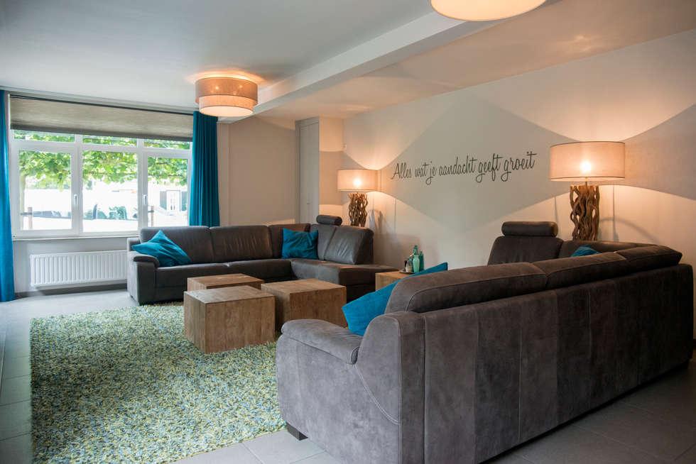 Groen blauwe draadjes tapijt: landelijke Woonkamer door Hemels Wonen interieuradvies en ontwerp