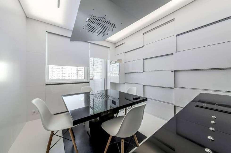 Стол: Кухни в . Автор – Arch Group