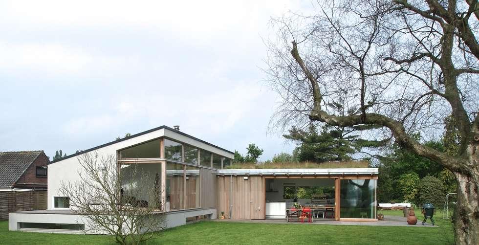 gevel woonkamer eetkamer: landelijke Huizen door Gerard Rijnsdorp Architect