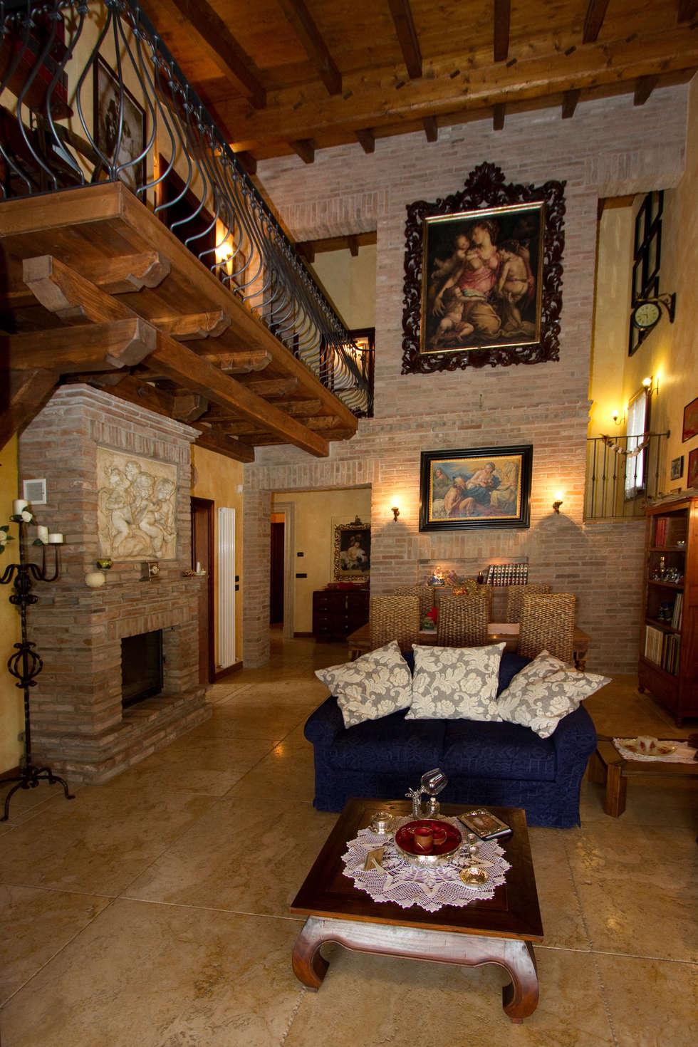 Casale rustico soggiorno in stile in stile rustico di for Case di stile