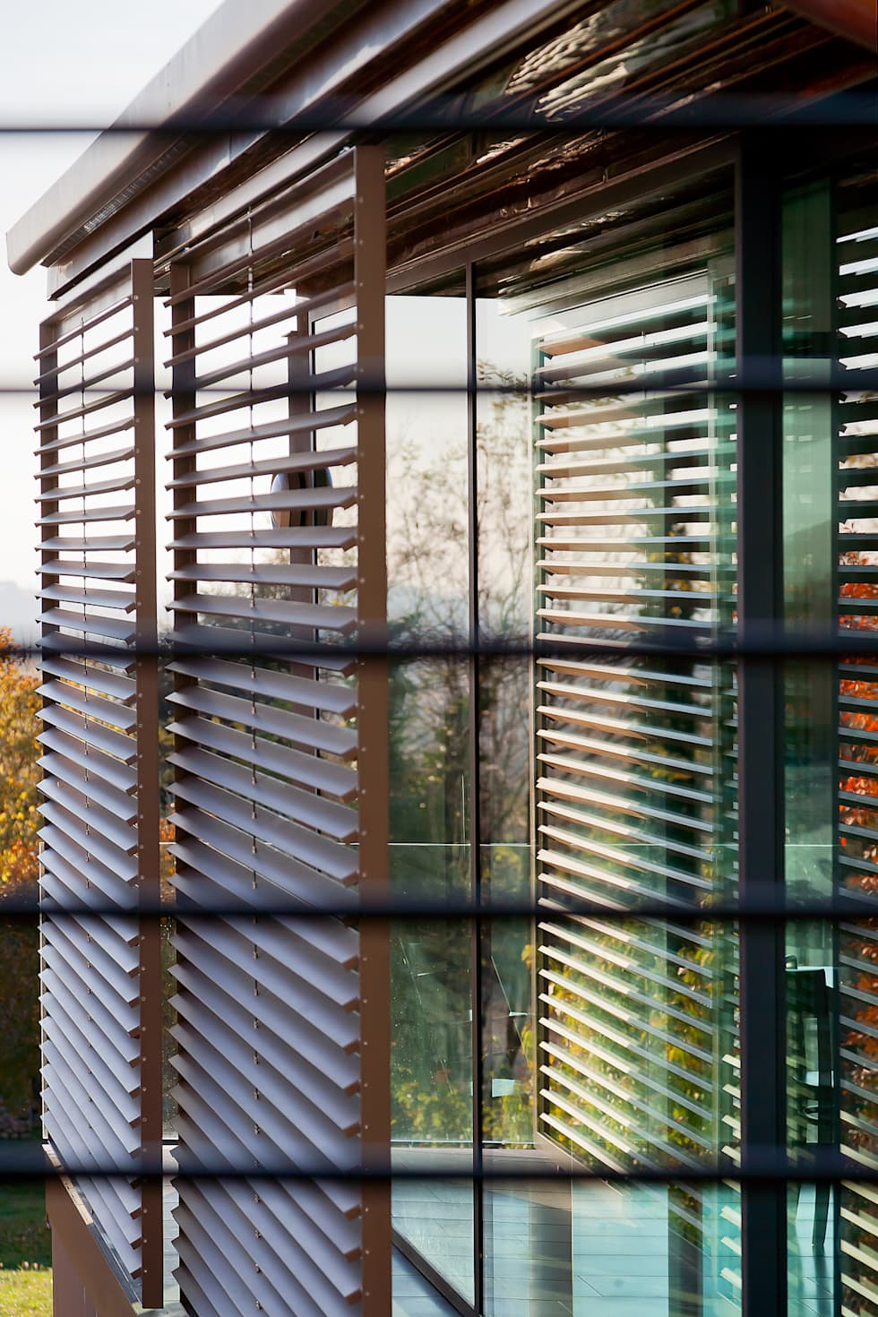 Detail: Shading systems: Finestre in stile  di SARA DALLA SERRA ARCHITETTO