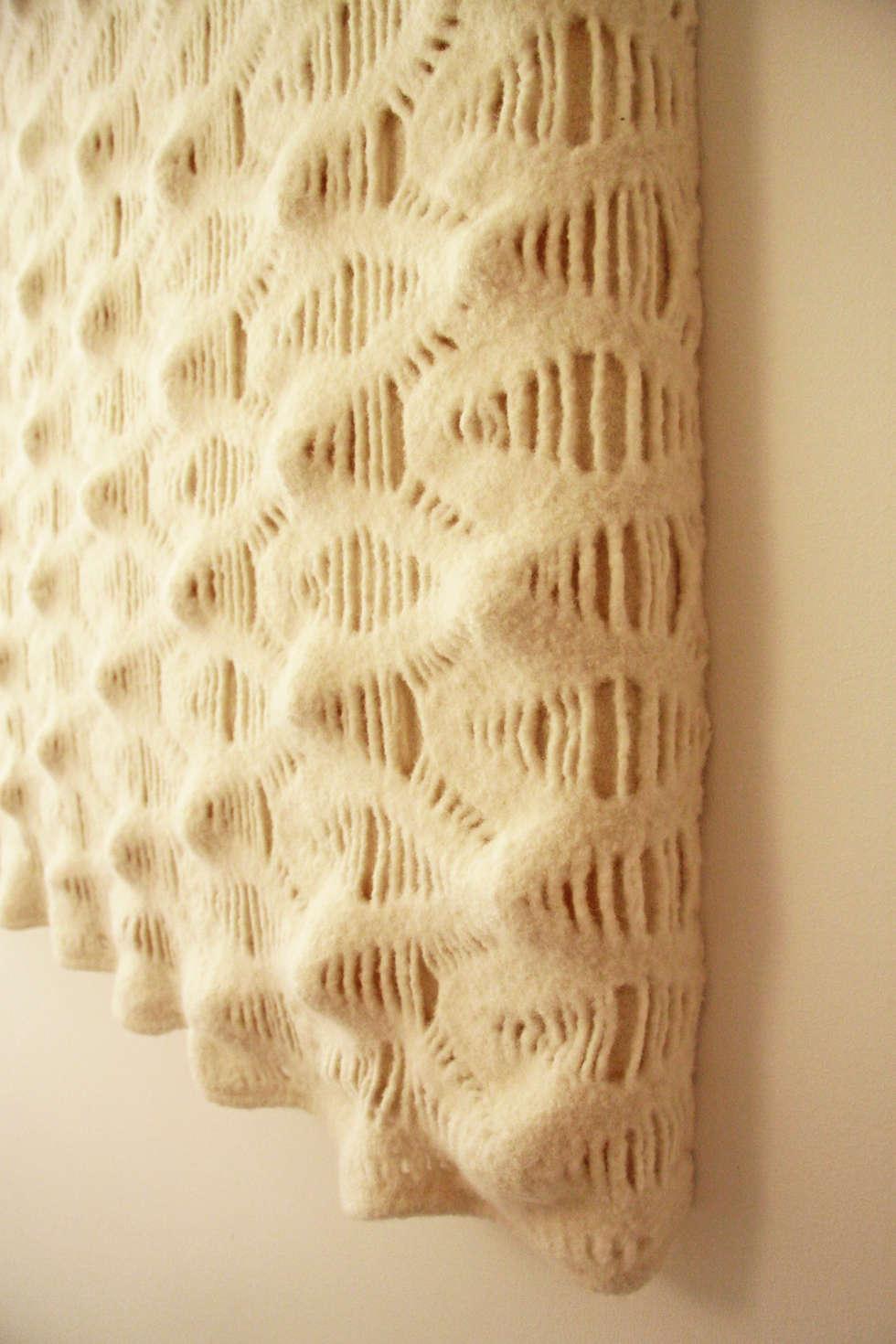 Detail of wall tapestry to improve the acoustics:  Gezondheidscentra door Studio Petra Vonk