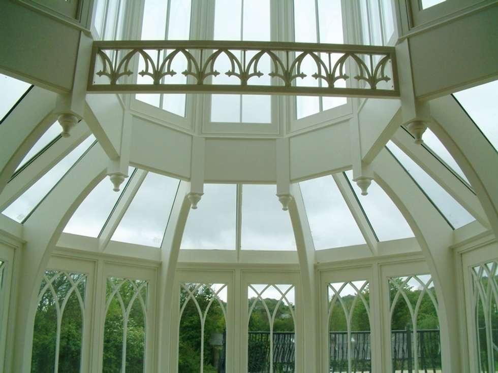 Giardino d'inverno in stile in stile Classico di Hampton Windows