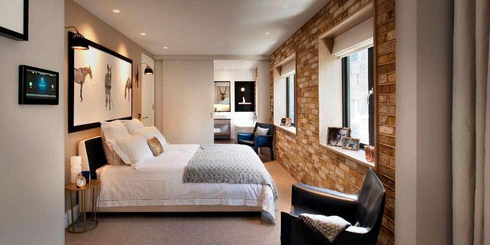 Master Bedroom: modern Bathroom by TG Studio