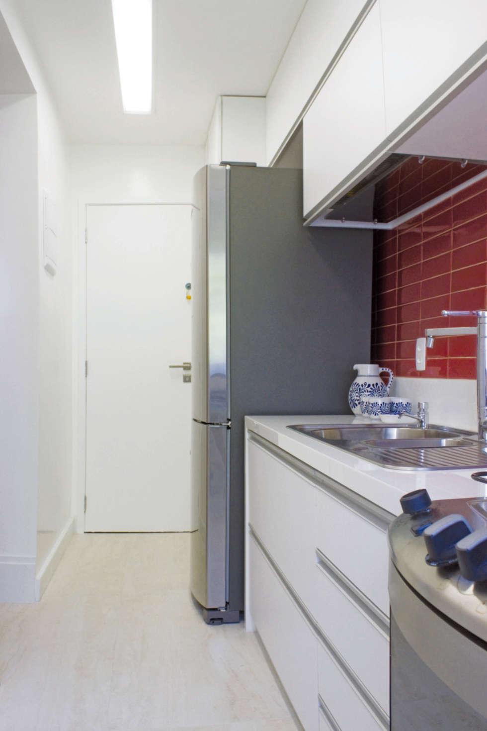 Cozinha: Cozinhas minimalistas por fpr Studio