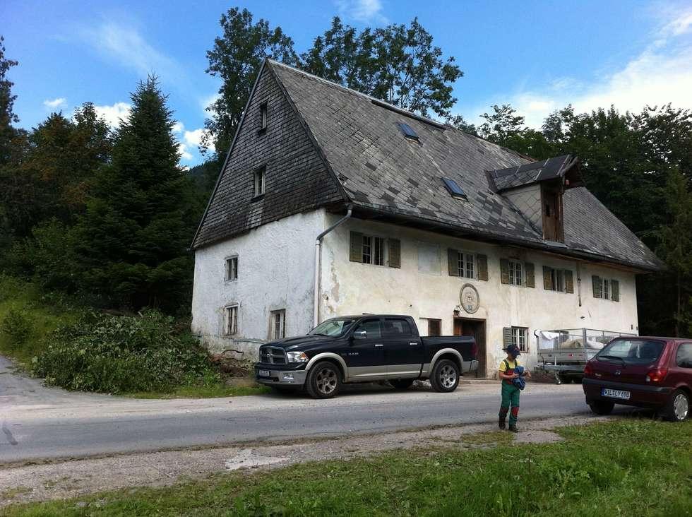 """Denkmalgeschützte historische Bäckerei """"altes Nigglhaus"""" Bj. 1564 in Fischbachau:   von betterhouse"""