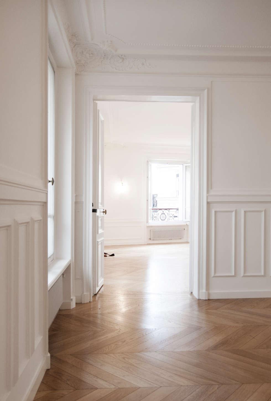 Appartement Marceau Paris: Salon de style de style Classique par NMA architecture