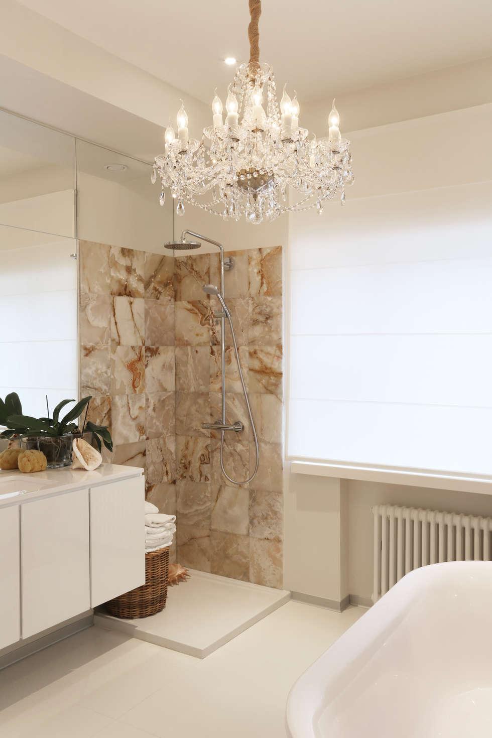 Душ: Ванные комнаты в . Автор – Double Room