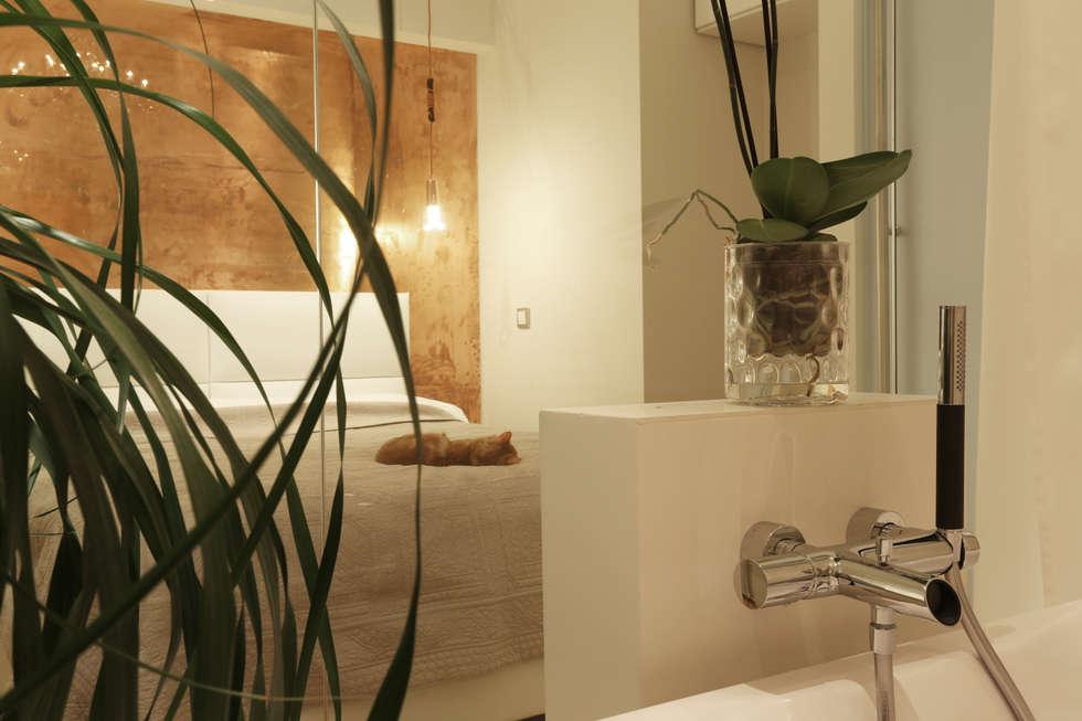 Отражение.: Ванные комнаты в . Автор – Double Room