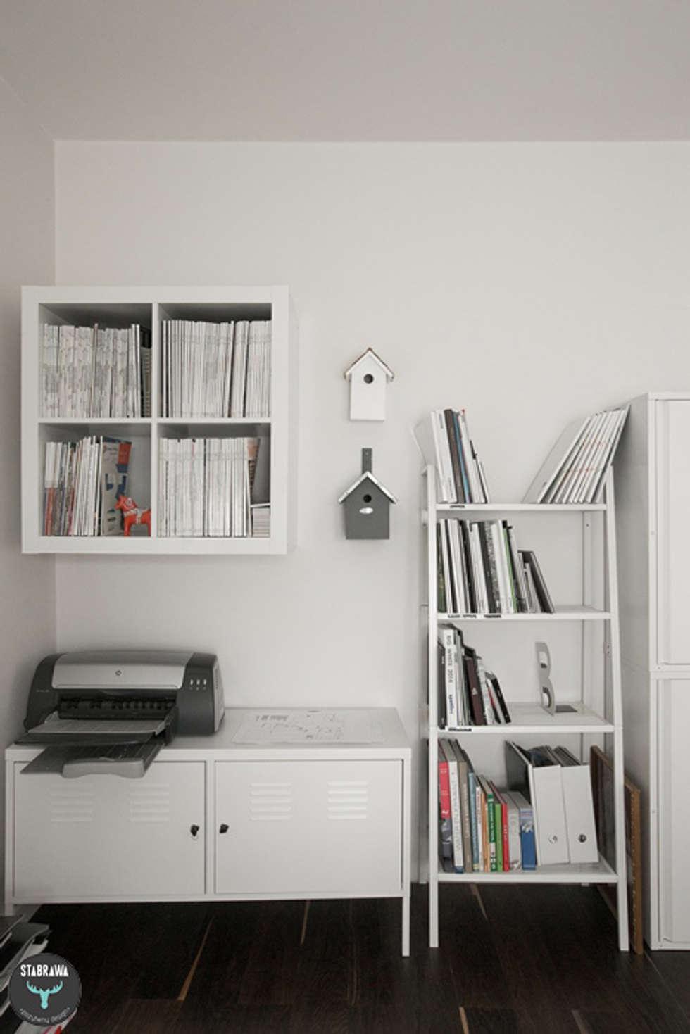 Pracownia : styl , w kategorii Domowe biuro i gabinet zaprojektowany przez stabrawa.pl