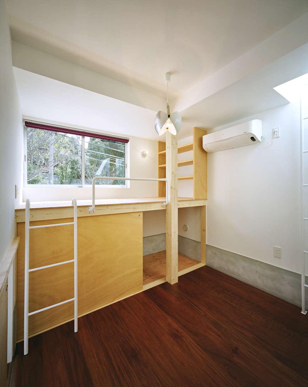 五月丘の家 - House of Satukigaoka: 林泰介建築研究所が手掛けた子供部屋です。