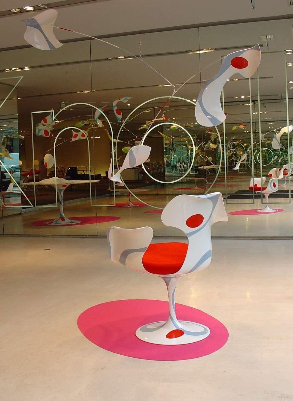 Saarinen by Schiepan - Mobile/Alibi - Show Room Knoll Paris: Salle à manger de style de style eclectique par LA FABRIQUE BRUNO SCHIEPAN