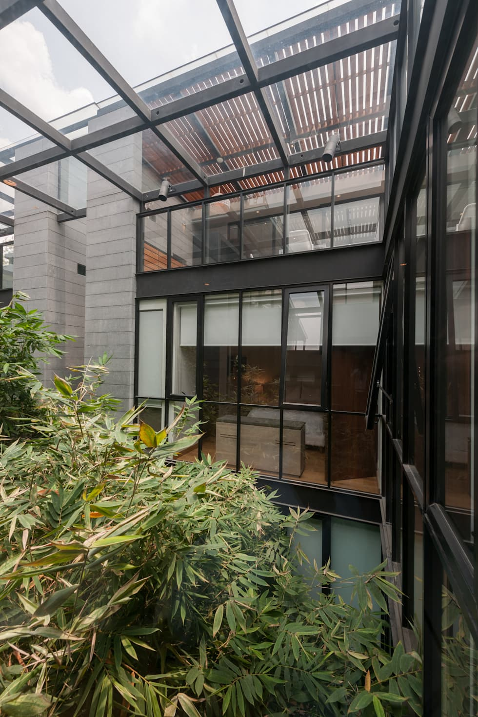 PH Andersen: Ventanas de estilo  por Faci Leboreiro Arquitectura