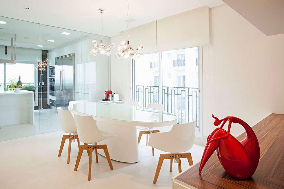 copa: Cozinhas modernas por korman arquitetos