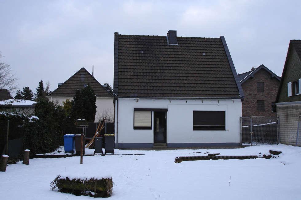 Projekty, nowoczesne Domy zaprojektowane przez Rathscheck Schiefer und Dach-Systeme ZN der Wilh. Werhahn KG Neuss