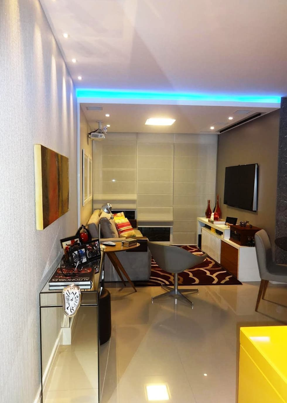 Sala de estar: Salas de estar modernas por Lúcia Vale Interiores