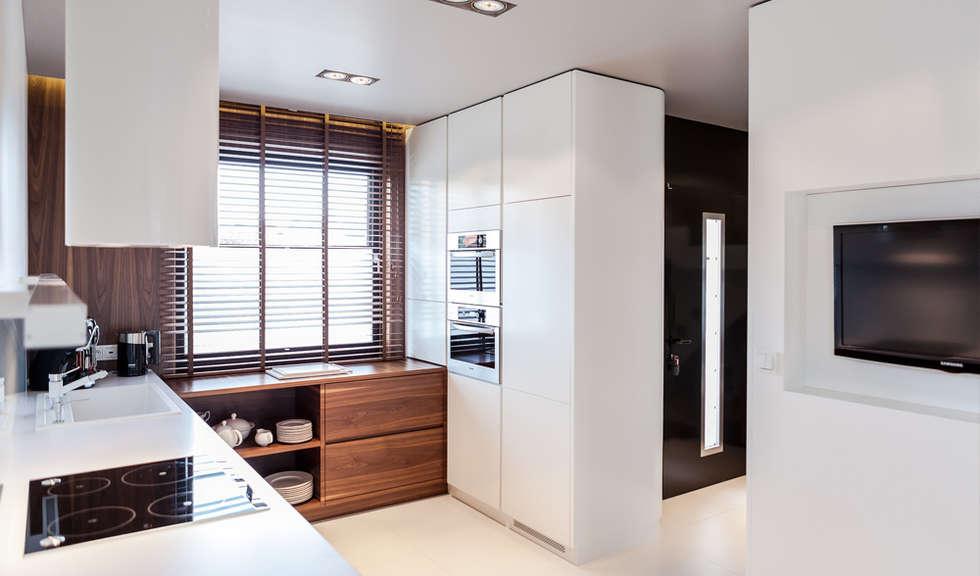 modern Kitchen by Anchal Anna Kuk-Dutka