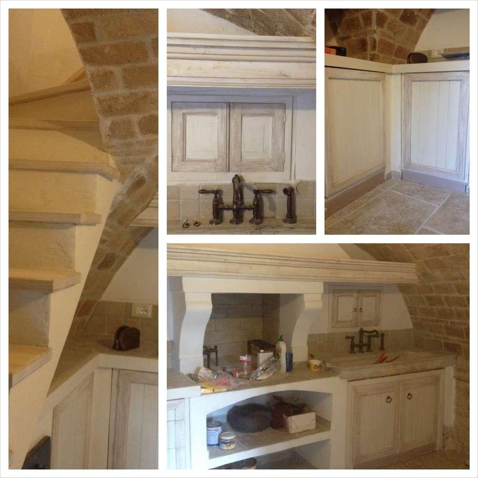 Decorazioni in progress: Cucina in stile in stile Mediterraneo di Creazionedatmosfere