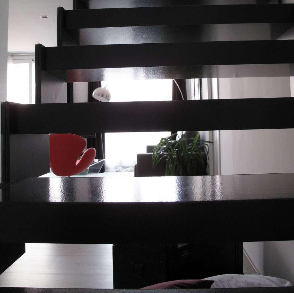Fotos de decoraci n y dise o de interiores homify for Como construir una escalera de hierro y madera