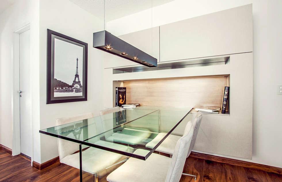 Fotos de decora o design de interiores e remodela es homify - Armarios para sala de estar ...