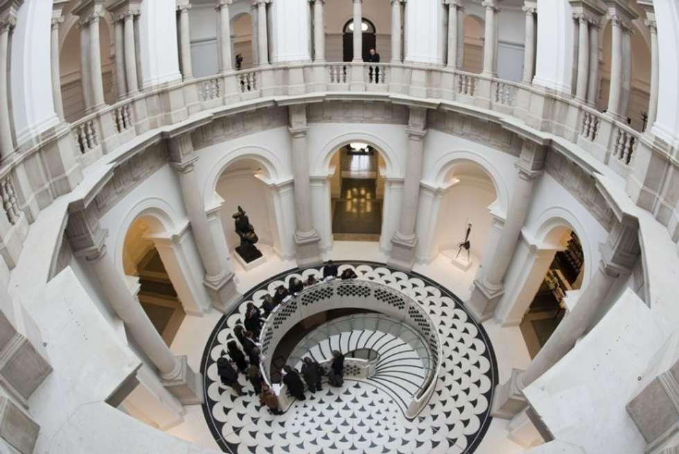 scala: Musei in stile  di Medusa Marmi