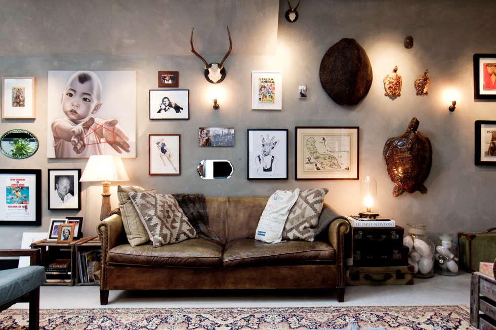 Salones de estilo ecléctico de BRICKS Studio