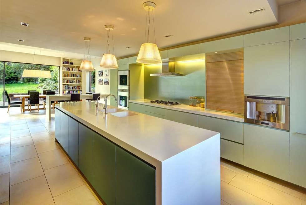 Muswell Hill House - 6: minimalistic Kitchen by Jonathan Clark Architects