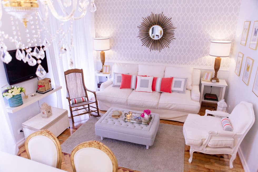 Amoreiras House: Salas de estar mediterrânicas por Catarina Batista Studio