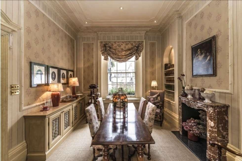 La sala da pranzo: Sala da pranzo in stile in stile Classico di DF Design